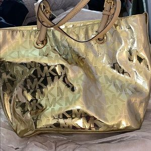ACCEPTING ANY OFFER! Michael kors bag